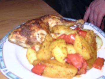 Hänchenschenkel auf Paprika-Kartoffelbett - Rezept