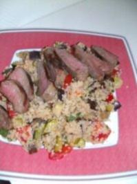 Lammlachse auf Auberginen-Couscous-Salat - Rezept