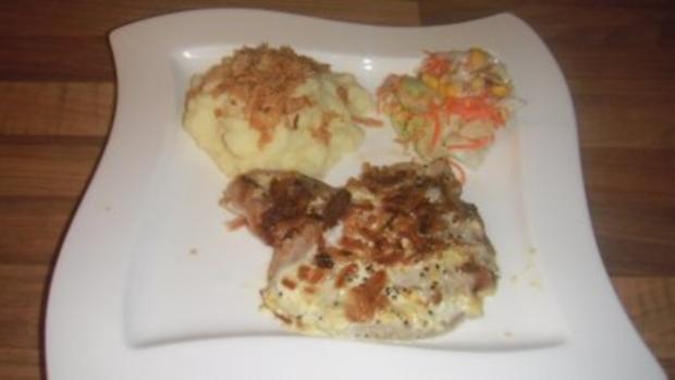 Schweinekotelett in Senfsoße mit Röstzwiebeln - Rezept