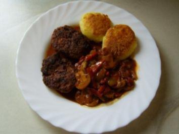 Räuber-Pilz-Topf mit Buletten - Rezept