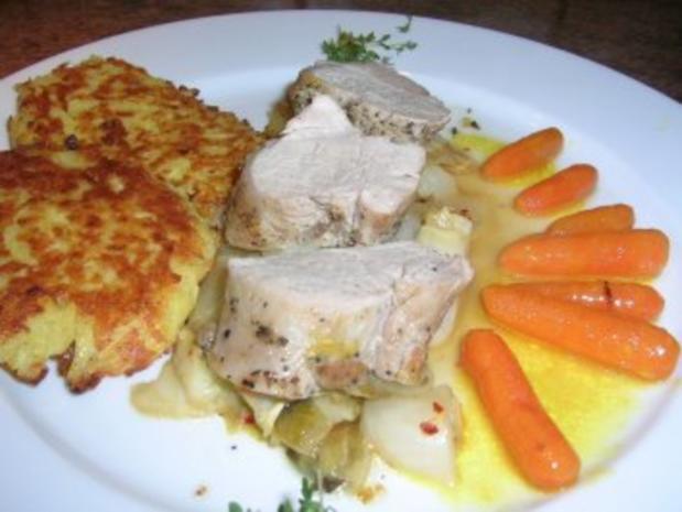 Schweinefilet in Zitronenzesten mit Baby-Möhrchen und Chicorée sowie Parmagiano-Rösti - Rezept - Bild Nr. 2