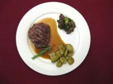 Gekräuterte Rindermedaillons in Madeirajus mit Basilikum-Gnocchi an Austernpilzsalat - Rezept
