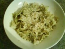 Pasta mit Basilikumsoße - Rezept