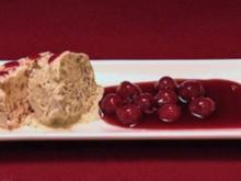 Amaretti-Zimt-Parfait mit Kirschragout (Nadine & Michelle) - Rezept