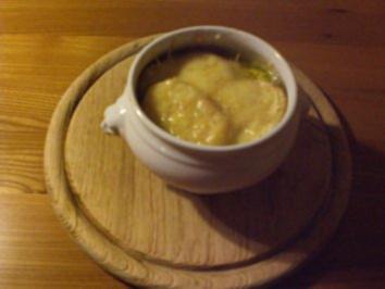 Zwiebelsuppe a la Paul Bocuse - Rezept