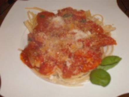 Spaghetti  mit Tomaten - Basilikum - Sosse - Rezept
