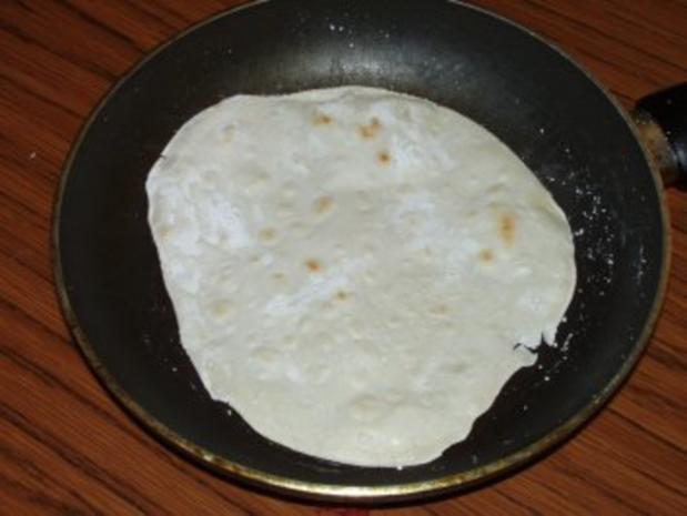 Tortilla gefüllt mit Chilli con Carne - Rezept - Bild Nr. 3