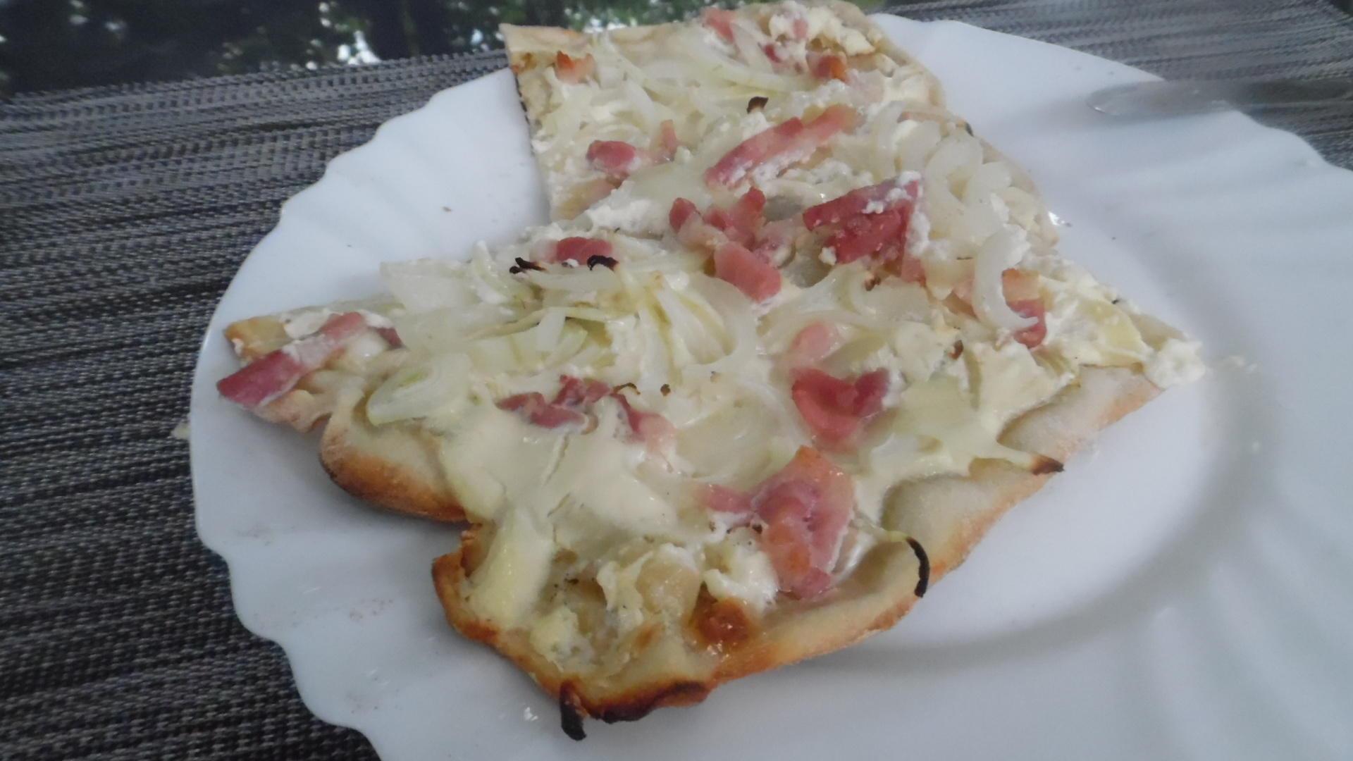 Flammkuchen schnell, leicht, lecker  und juhuuu  ich besitze jetzt einen Pizza Backstein  ~ 25152746_Backstein Für Siemens Backofen