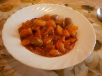Würstchen-Kartoffelgulasch - Rezept