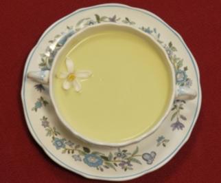 Avocadocreme-Kaltschale (Bea Prinzessin von Auersperg) - Rezept