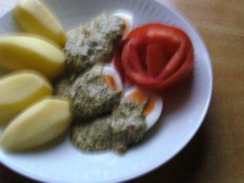 Eier in Kräutersenf-Soße .. - Rezept