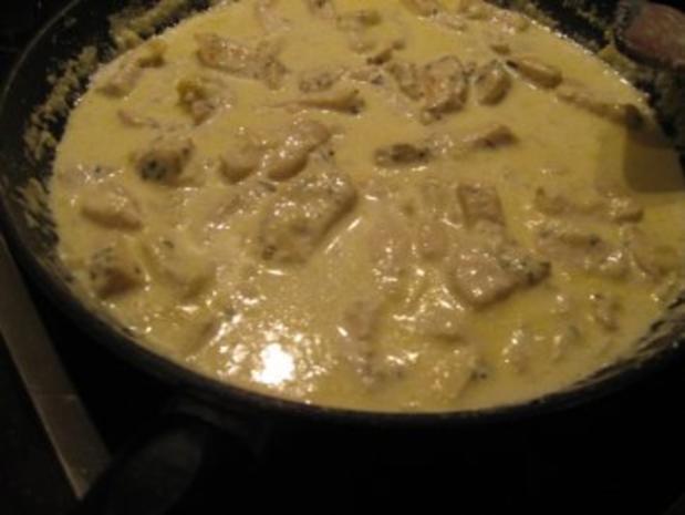 Rigatoni in Käsesahnesoße - Rezept