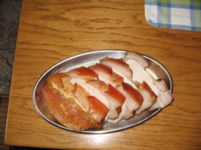 Schweinebraten mit Kruste im Römertopf - Rezept