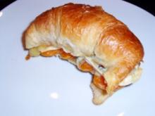 Frühstück: Mandarinen-Croissants mit Blauschimmelkäse - Rezept