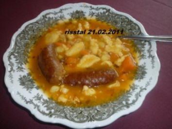 Deftiger Eintopf mit weissen Bohnen , geräucherter   Paprikawurst und Nockerln - Rezept