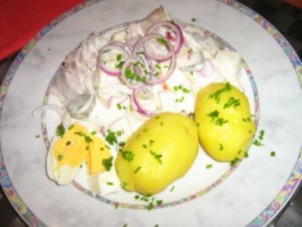 Matjesfilets eingelegt in Ananas-Apfel-Remoulade mit Pellkartoffeln - Rezept