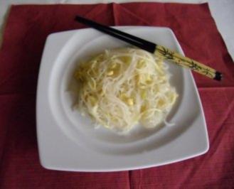 Chinesischer Glas- Seidennudelsalat - Rezept