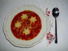 Tomatencreme-Suppe mit Polentasternen - Rezept