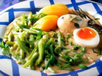 Gemüse - Schnibbelbohnen in süß-saurer Sahne mit Eiern - Rezept