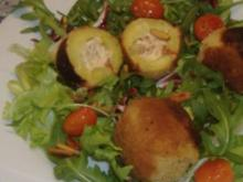 Winterlicher Salat mit gefüllten Kartoffeln - Rezept