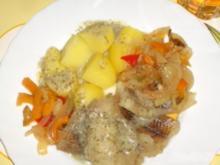 Seelachs gegart auf Zwiebel- Paprikagemüse - Rezept