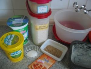 Brot + Brötchen: Dinkelbrot mit Buttermilch - Rezept