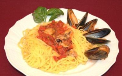 Spaghettini Vongole im Tomaten-Weißwein-Sud - Rezept