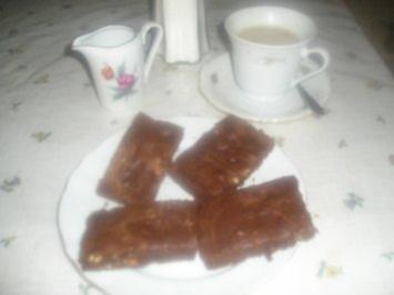 Haselnuss-Schoko-Brownies - Rezept