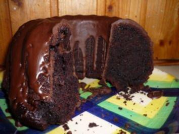 Rezept: Schokoladenkuchen mit saurer Sahne