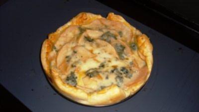 Birnen-Gorgonzola-Tarte mit Knusperspeck - Rezept