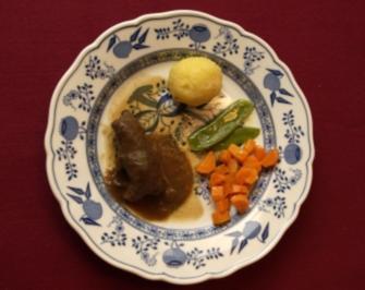 Rinderroulade mit feinem Gemüse und Kartoffelknödeln (Horst Janson) - Rezept