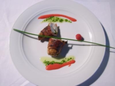 Poulardenbrust mit Kräutern an Himbeervinaigrette - Rezept