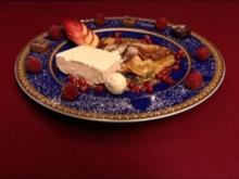 Flambierte Crêpes Suzettes mit Vanilleparfait (Prinz Marcus von Anhalt) - Rezept