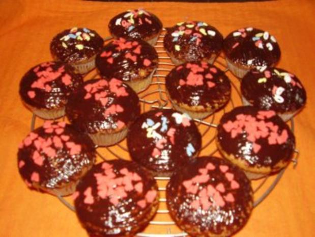 muffins einfach und schnell rezept mit bild. Black Bedroom Furniture Sets. Home Design Ideas