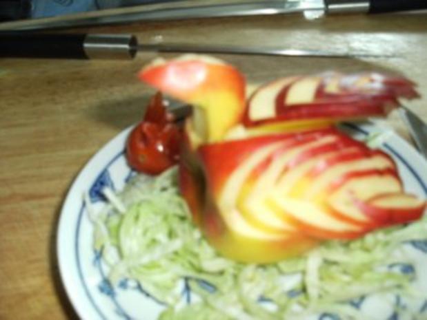 Tomate oder Apfel schnitzen zu einen Vogel - Rezept - Bild Nr. 4