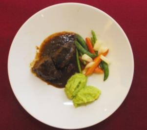 Rezept: Rinderbäckchen mit Kartoffel-Lauch-Püree (Michaela May)
