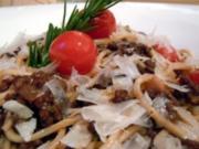 Spaghetti mit Hackfleisch-Rotwein-Sauce - Rezept