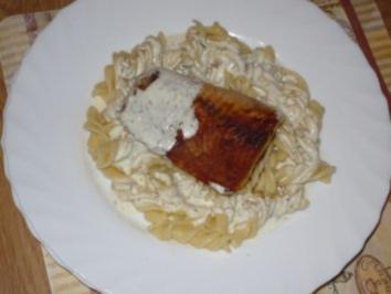 Wildlachs auf Butternudeln mit Dill-Zitronensoße - Rezept