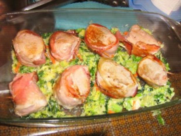 Schweinemedaillons im Speckmantel im  Wirsingbett überbacken - Rezept - Bild Nr. 6