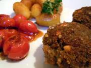 Thymian-Zitronen-Frikadellen mit gebratenen Drillingen und karamellisierten Tomaten - Rezept