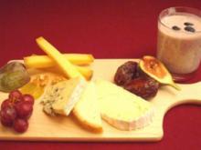 Tiroler Käseplatte mit selbst gemachter Heidelbeer-Buttermilch-Kaltschale - Rezept