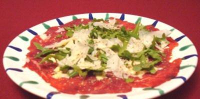 Carpaccio mit selbst gemachter Mayonnaise, Rucola und Parmesan - Rezept
