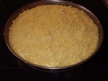 Käsekuchen mit Streuseln und Aprikosen - Rezept
