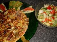 Weseler Bauernomelette mit  gem. Salat - Rezept
