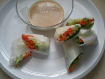 Rezept: Reispapierröllchen mit Satay Dip