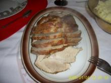 Schweinsbraten in einer Champignon-Rotwein-Soße - Rezept