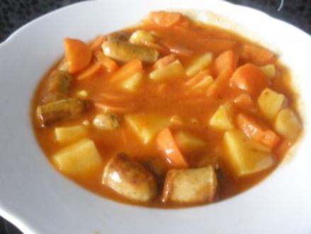 Blitzgulasch mit Würstchen & Gemüse - Rezept