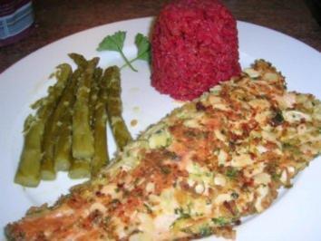 Forellenfilets mit Mandelkruste an grünem Spargel und Rote Beete Reis - Rezept