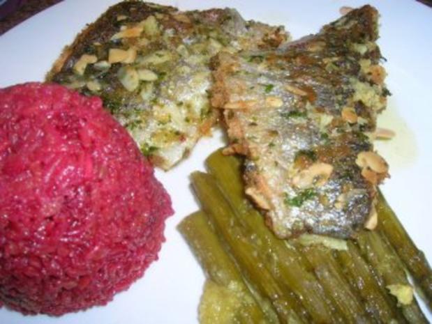 Forellenfilets mit Mandelkruste an grünem Spargel und Rote Beete Reis - Rezept - Bild Nr. 3