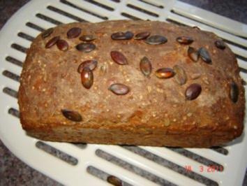 Brot + Brötchen : Sechskornbrot - Rezept
